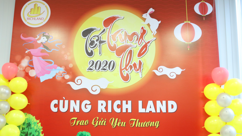 VUI TRUNG THU 2020 – CÙNG RICH LAND TRAO GỬI YÊU THƯƠNG